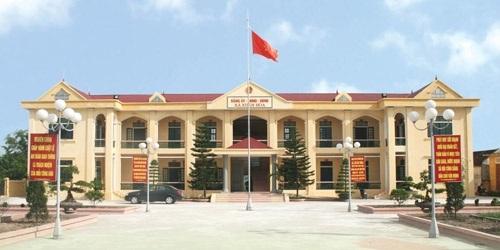 Bàn giao đất đai và tài sản trên đất Trụ sở làm việc một số cơ quan, tổ chức hiện nay không sử dụng cho huyện M'Đrắk quản lý.