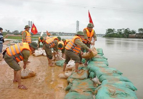 Hỗ trợ kinh phí khắc phục hậu quả do mưa lũ gây ra.