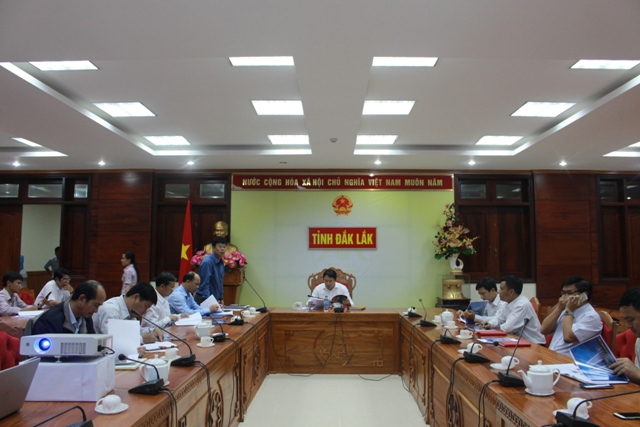Họp thông qua chủ trương tài trợ và lắp đặt hệ thống đèn trang trí một số tuyến đường ở thành phố Buôn Ma Thuột.