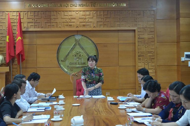Thẩm tra dự thảo Nghị quyết về đặt, đổi tên đường trên địa bàn thành phố Buôn Ma Thuột.