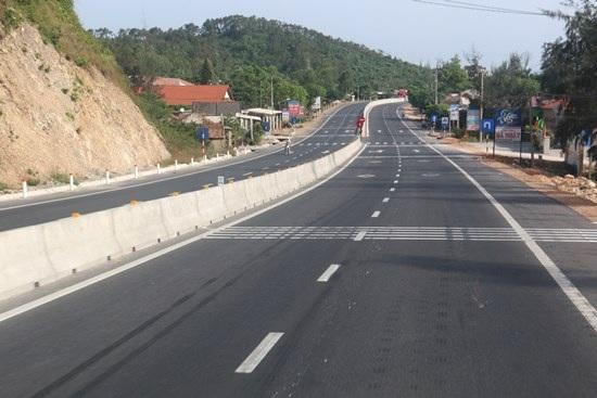 Bố trí vốn đầu tư cải tạo, nâng cấp Quốc lộ 29 đoạn qua địa phận tỉnh Đắk Lắk bằng vốn dư Quốc lộ 1 và đường Hồ Chí Minh đoạn qua Tây Nguyên  (lần2).