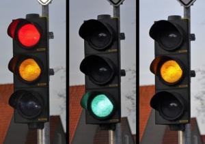 Phê duyệt kế hoạch lựa chọn nhà thầu dự án lắp đặt đèn tín hiệu giao thông