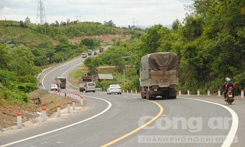 Kiểm tra thực tế tuyến đường từ Quốc lộ 14 vào công trình thủy điện Buôn Kuốp