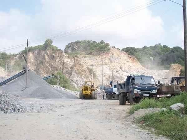 Nộp tiền cấp quyền khai thác khoáng sản đối với Công ty TNHH khoáng sản Thiên An.