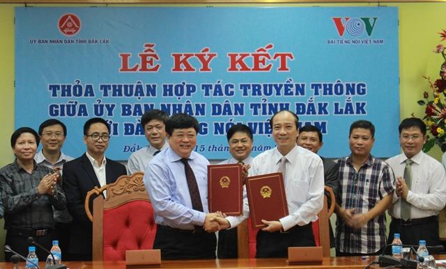 UBND tỉnh và Đài Tiếng nói Việt Nam ký kết thỏa thuận hợp tác truyền thông