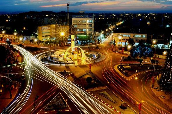 Thống nhất phương án lắp đặt hệ thống đèn trang trí đường Lê Duẩn, thành phố Buôn Ma Thuột