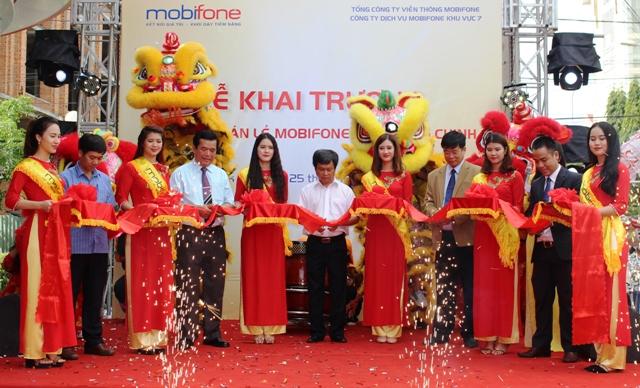 Chi nhánh Mobifone Đắk Lắk khai trương cửa hàng bán lẻ đầu tiên tại tỉnh