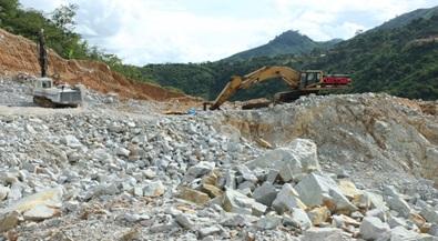 Quyết định điều chỉnh tên đơn vị khai thác đá và thuê đất tại mỏ đá Cư Êbur, phường Thành Nhất, thành phố Buôn Ma Thuột