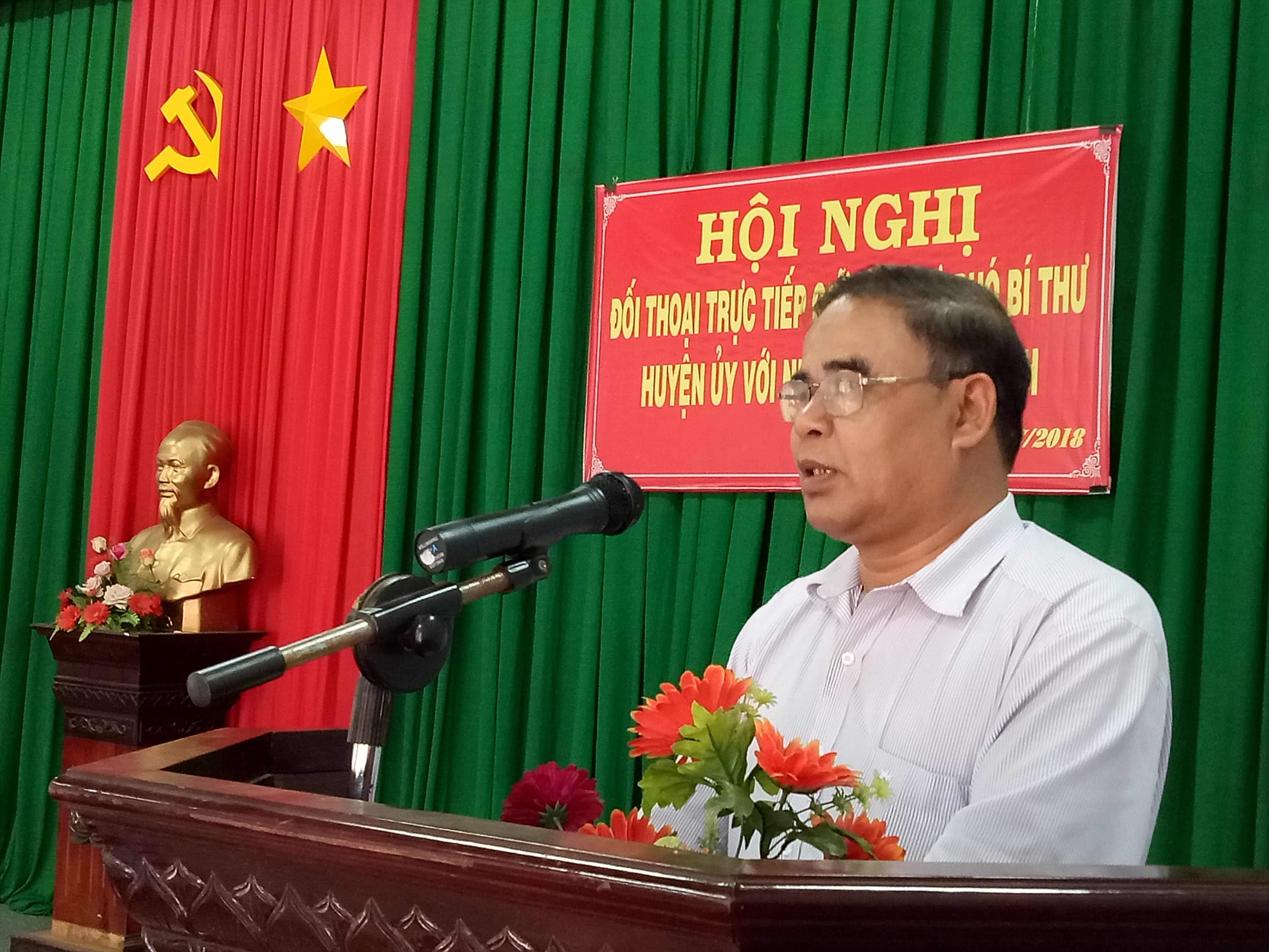 Cư M'gar: Đối thoại trực tiếp giữa đồng chí Bí thư Huyện ủy, Phó Bí thư Huyện ủy với nhân dân xã Ea Kuêh