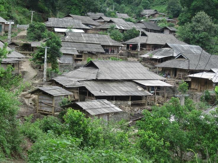 Báo cáo kết quả rà soát, đánh giá huyện nghèo.