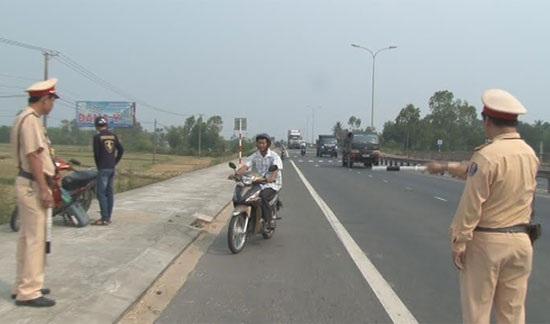 Triển khai chương trình về an toàn giao thông năm 2016.