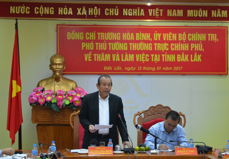 Phó Thủ tướng Thường trực Chính phủ Trương Hòa Bình thăm và làm việc tại tỉnh.