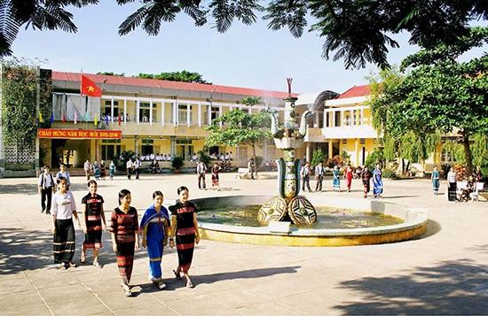 Báo cáo cụ thể việc bàn giao các trường Phổ thông dân tộc nội trú.
