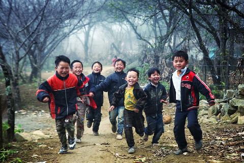Quyết định thành lâp Ban Chỉ đạo và Tổ thư ký giúp việc Ban Chỉ đạo Chương trình hành động vì trẻ em giai đoạn 2012-2020.