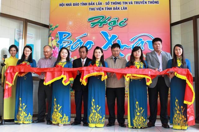 Khai mạc Hội báo Xuân Đinh Dậu 2017.