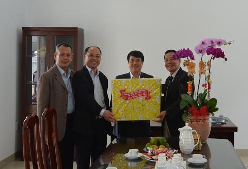 Lãnh đạo thành phố Buôn Ma Thuột thăm các chức sắc tôn giáo