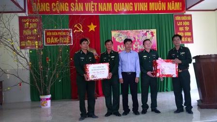 Phó Chủ nhiệm Cục Chính trị thăm và chúc tết các đơn vị Bộ đội Biên phòng tỉnh Đắk Lắk