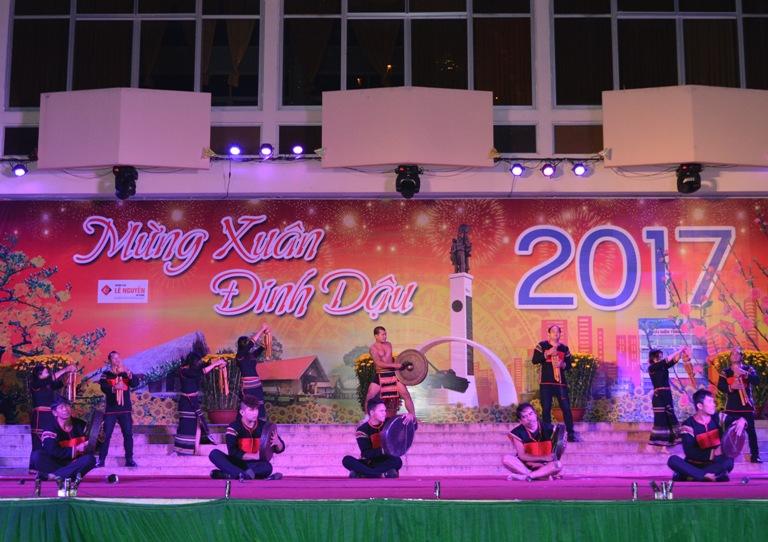 Chương trình nghệ thuật mừng xuân Đinh Dậu 2017, mừng Đảng quang vinh.