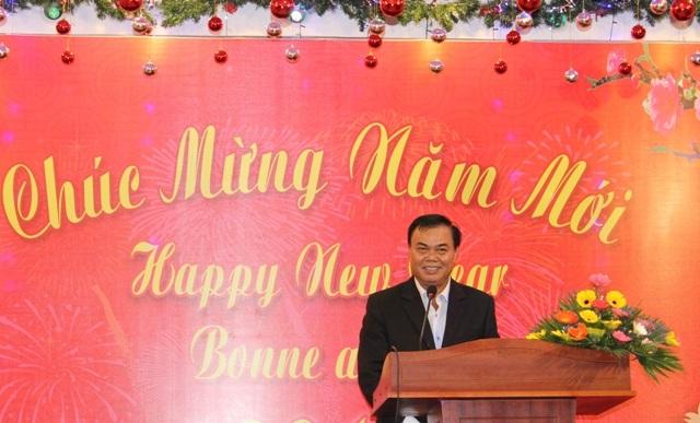 Bí thư Tỉnh ủy chúc mừng khách du lịch nước ngoài nhân dịp Tết Nguyên Đán 2017