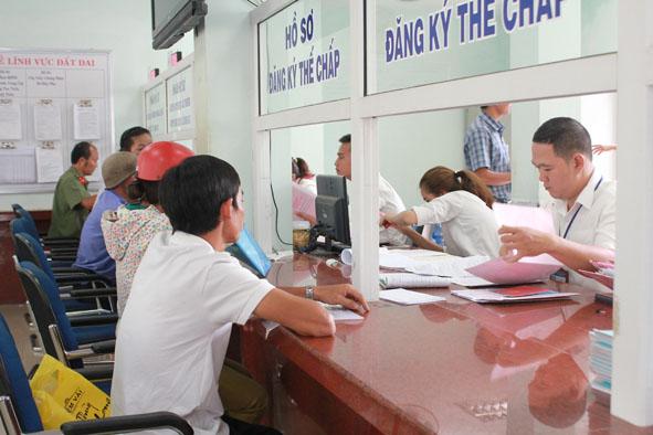 Ban hành Kế hoạch rà soát, đánh giá thủ tục hành chính trên địa bàn tỉnh năm 2017.