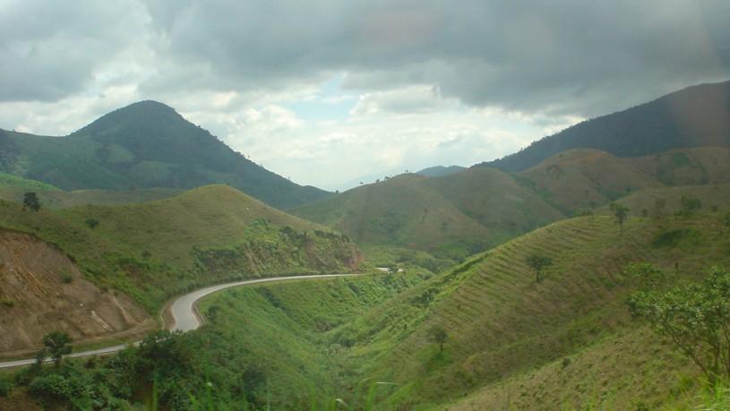 Báo cáo kết quả khảo sát thực trạng đường địa giới chưa thống nhất giữa tỉnh Đắk Lắk và tỉnh Khánh Hòa.