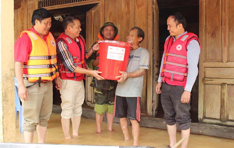 Hỗ trợ kinh phí cho các địa phương khắc phục thiệt hại do mưa lũ miền Trung và Tây Nguyên từ 30/10 đến 09/11/2016.