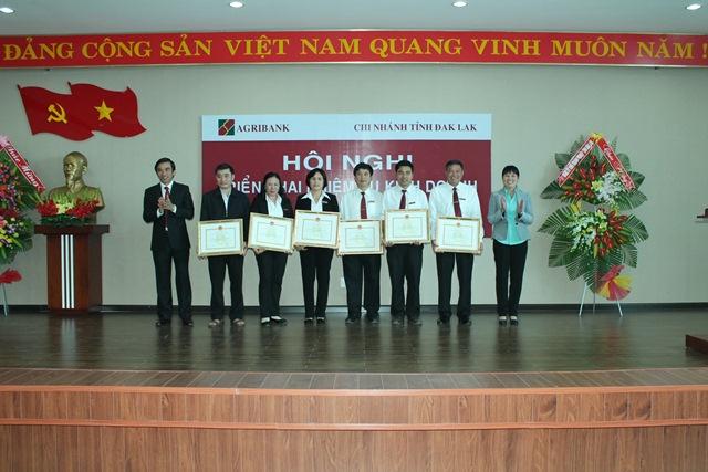 Agribank tỉnh Đắk Lắk tổ chức Hội nghị triển khai nhiệm vụ kinh doanh 2017