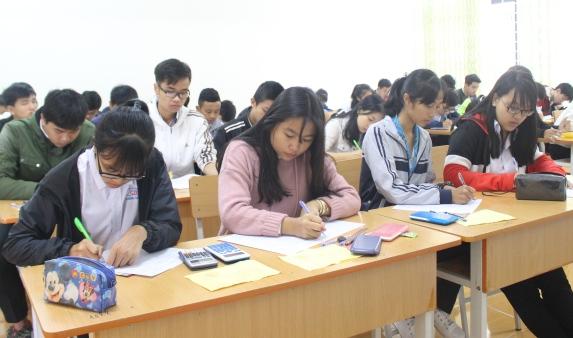 1.710 học sinh tham dự Kỳ thi Olympic 10/3 tỉnh Đắk Lắk lần thứ II năm 2017