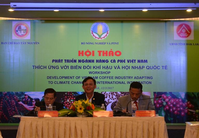 """Hội thảo """"Phát triển ngành hàng cà phê Việt Nam thích ứng với biến đổi khí hậu và hội nhập quốc tế""""."""