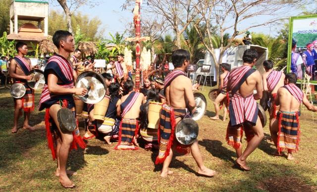 Tái hiện nghi lễ truyền thống của đồng bào 3 tỉnh Kon Tum, Lâm Đồng, Đắk Nông