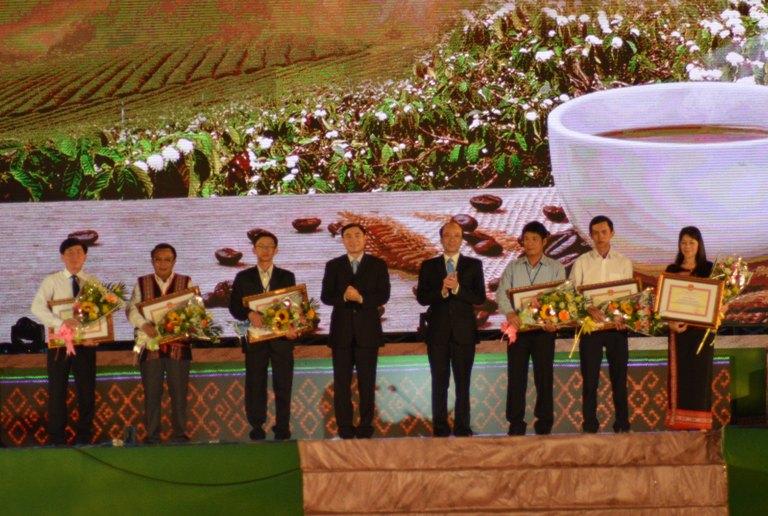 Bế mạc Lễ hội Cà phê Buôn Ma Thuột lần thứ 6 và Liên hoan Văn hóa Cồng chiêng Tây Nguyên năm 2017.