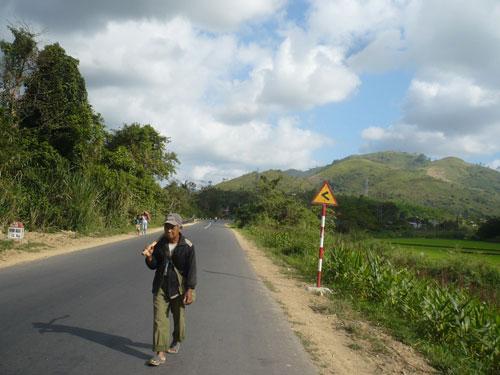 Thời gian hoàn thành công trình Đường vào buôn Đhar Prông, thành phố Buôn Ma Thuột