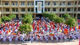 Công nhận trường trung học đạt chuẩn Quốc gia
