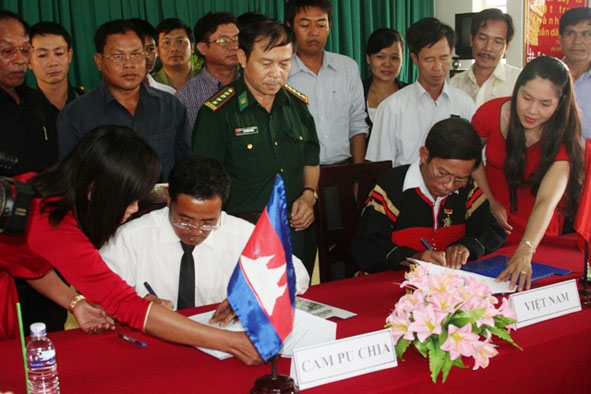 Hướng dẫn tuyên truyền về công tác biên giới đất liền Việt Nam – Trung Quốc, Việt Nam – Lào, Việt Nam – Campuchia năm 2017