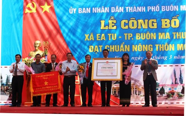 Lễ công bố xã Ea Tu đạt chuẩn Nông thôn mới.
