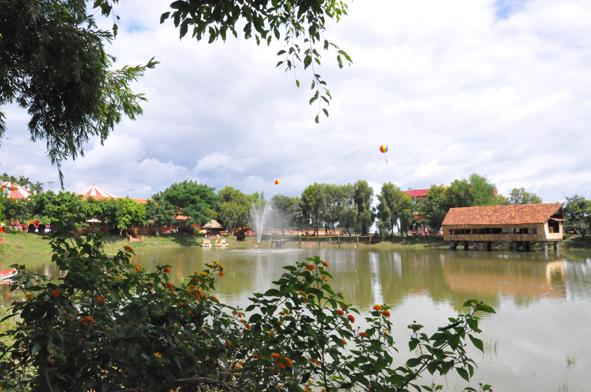 Thực hiện dự án Điểm du lịch sinh thái đập Đạt Lý.