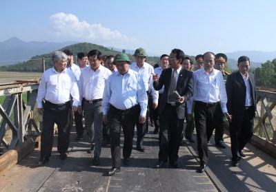 Thực hiện ý kiến chỉ đạo của Thủ tướng Chính phủ Nguyễn Xuân Phúc về việc xây dựng mới cầu Cư Păm, xã Khuê Ngọc Điền, huyện Krông Bông.
