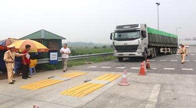 Tăng cường công tác kiểm soát tải trọng phương tiện giao thông trên địa bàn tỉnh
