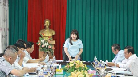 Đoàn giám sát của Ban Văn hóa – Xã hội, HĐND tỉnh giám sát tình hình quản lý, sử dụng qũy Bảo hiểm Y tế tại Bảo hiểm xã hội tỉnh.