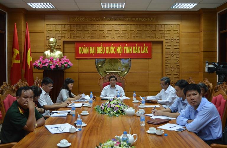 Bộ trưởng Bộ Thông tin và Truyền thông Trương Minh Tuấn trả lời chất vấn đại biểu Quốc hội về công tác quản lý an toàn thông tin mạng.