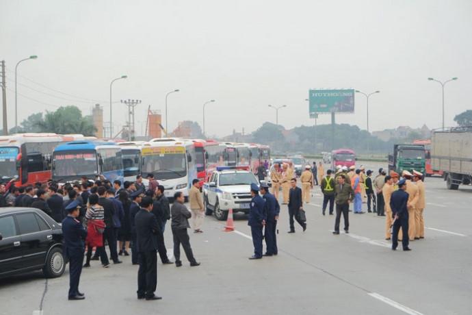 Tăng cường công tác quản lý, xử lý vi phạm trong hoạt động kinh doanh vận tải khách bằng xe ô tô trên địa bàn tỉnh.