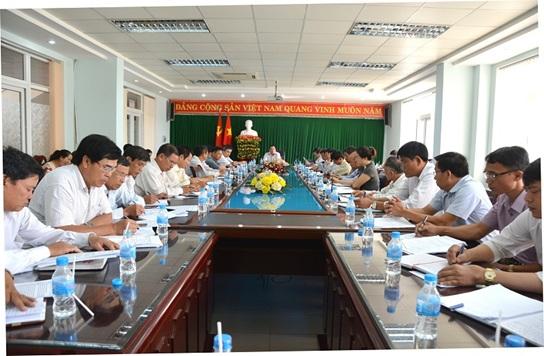 Phó Bí thư Thường trực Thành ủy Buôn Ma Thuột Nguyễn Anh Dũng chủ trì Hội nghị giao ban với các Bí thư phường, xã tháng 5/2017