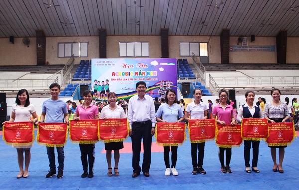 Phòng Giáo dục và Đào tạo thành phố Buôn Ma Thuột giành giải Nhất toàn đoàn tại Hội thi Earobic mầm non cấp tỉnh lần thứ Inăm 2017