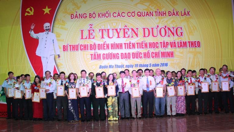 Phát huy vai trò của cấp ủy cơ sở trong triển khai thực hiện học tập và làm theo tư tưởng, đạo đức, phong cách Hồ Chí Minh.