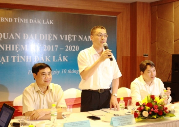 Đoàn Trưởng cơ quan đại diện Việt Nam ở nước ngoài nhiệm kỳ 2017- 2020 làm việc tại tỉnh.