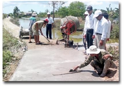 Quyết định thành lập Đoàn kiểm tra kết quả thực hiện Chương trình xây dựng nông thôn mới 6 tháng đầu năm 2017 trên địa bàn tỉnh