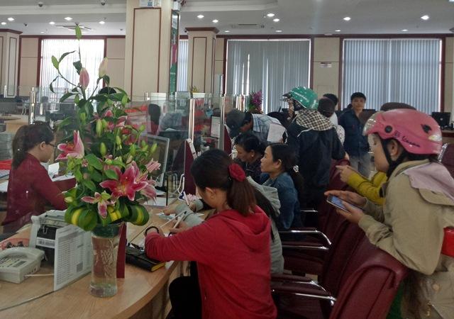 """Đã có 257 khách hàng trúng thưởng trong đợt huy động tiết kiệm dự thưởng """"Thẻ cào trao tay, nhận ngay may mắn"""" do Agribank tỉnh Đắk Lắk tổ chức."""