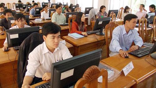 Tình hình quản lý, sử dụng biên chế, tuyển dụng công chức, viên chức và hợp đồng chuyên môn, nghiệp vụ
