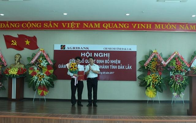 Agribank Đắk Lắk tổ chức Hội nghị công bố Quyết định của Chủ tịch Hội đồng Thành viên về bổ nhiệm chức danh Giám đốc.