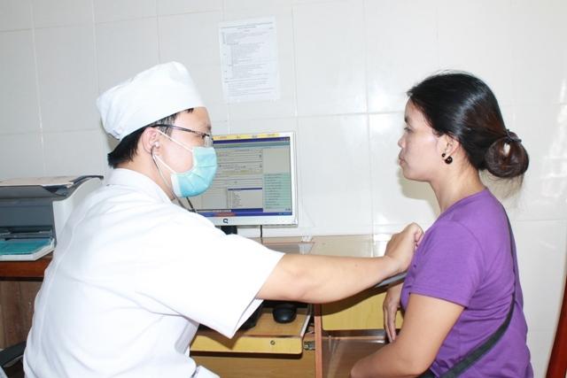 Điều chỉnh tăng phí dịch vụ y tế - Người dân cần tích cực tham gia bảo hiểm